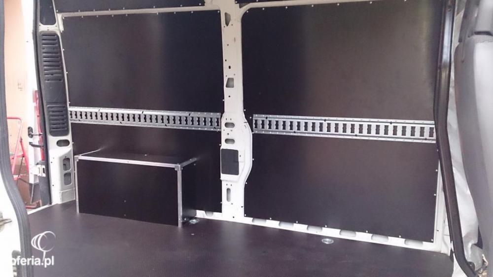 Dodatkowe Zabudowy aut dostawczych, podłogi, ściany do busów - Agra sp. zo.o LP46